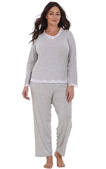 197bfe502b6 Ladies Plus Size Long Sleeve Lace Curve PJ Set Pyjamas Nightwear   Amazon.co.uk  Clothing