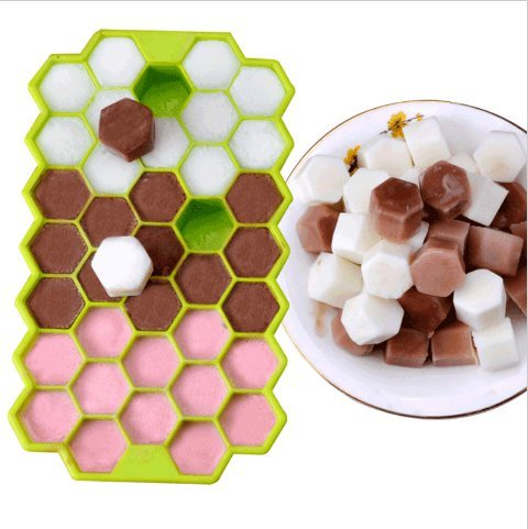 URToys 1Pcs Silicone Hexagon Ice Cube Tray with Lid Flexible Rubber 37 Ice Cubes Molds Ice Cream Maker Kitchen Bar Drinking Accessories (At Random Color)