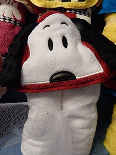 Personalized Playful Dog Hooded Towel (Snoopy Chicks)