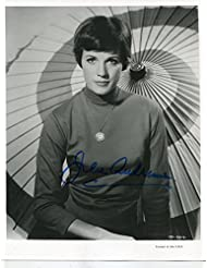JULIE ANDREWS rare early years gorgeous signed 8x10 photo