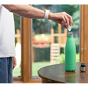 Eekay Wares 2 Pack PREMIUM QUALITY Stainless Steel Vacuum Insulated 17 oz Water Bottle, BPA Free, Leak Proof, Sweat Free, Keeps your drink Hot & Cold for hours ,(Green) Great For Coffee and Tea