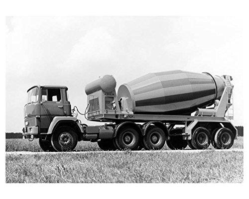 1971-magirus-deutz-liebherr-mixer-truck-factory-photo