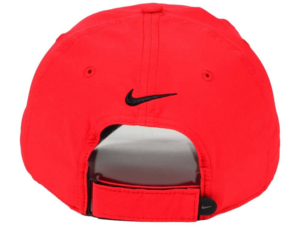 229609e08ad Amazon.com  NIKE Men`s Legacy 91 Custom Tech Golf Hat (Max Orange(727043-607) Black