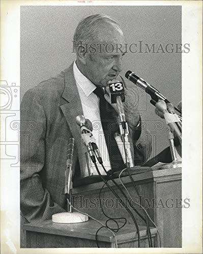 Vintage Photos 1979 Press Photo Auburn College Basketball President Dr. Harry M. -