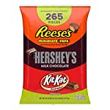 Make anytime treat time with a HERSHEY'S 265-piece miniature assortment. With this mix of popular HERSHEY'S candy assortment in one party size bag, you can satisfy any taste and every occasion. This HERSHEY'S miniature candy variety bag includes HERS...