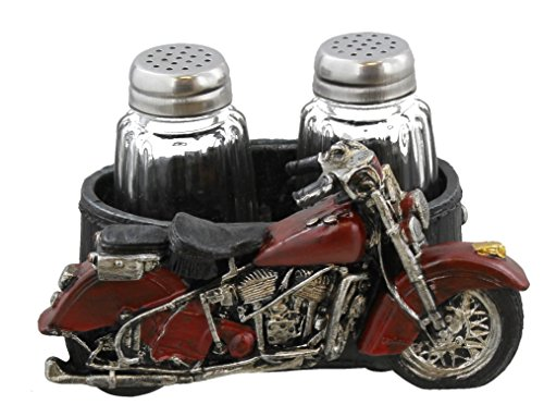 Rooster Kitchen Decor Salt and Pepper Shakers Set in Vintage Look Chicken Wire Basket DeLeon