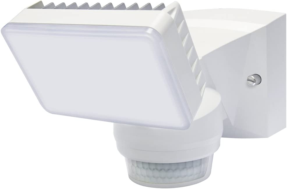 Single LED Light with 1500 lumens 180 Motion Sensor White