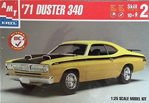(AMT 31225 '71 Plymouth Duster 340 Plastic Model Kit)