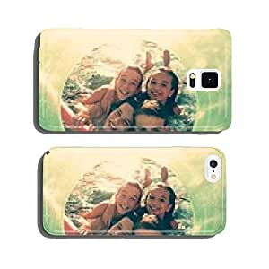 Children playing in the water with green frame cell phone cover case Samsung S6
