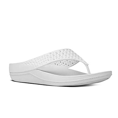 4719418682c8 Fitflop Women s Ringer Superlight Flip Flops in Jelly Urban White 11    Sunscreen