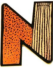 Janosch houten letter N op kleur gesorteerd