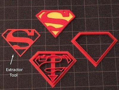 Superman Cookie Cutter / Fondant Cutter / Cupcake Topper set 2 inches