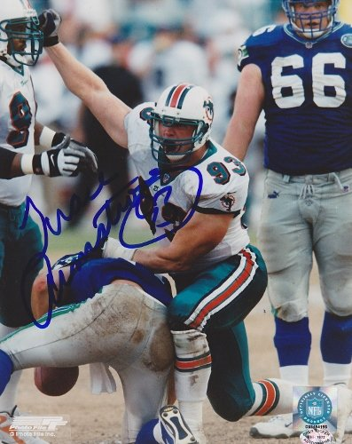 (Trace Armstrong Signed - Autographed Miami Dolphins 8x10 inch Photo)