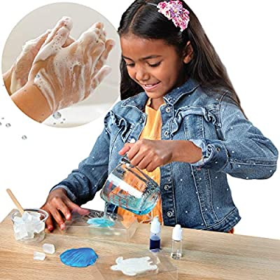 Discovery Kids DIY Soap Making Kit for Kids, Mini Experiment Set with Supplies for Blue Color Sweet Olive-Scented Soap, Sea Turtle and Scallop Seashell Molds: Toys & Games