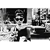 Posters: Audrey Hepburn Poster - Sunglasses (36 x 24 inches)