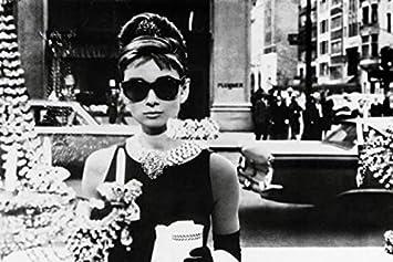 meilleur grossiste réel classé sur les images de pieds de 1art1 36640 Poster Audrey Hepburn Lunettes de Soleil 91 X 61 cm