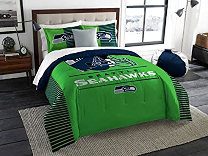 Amazon Com Seattle Seahawks Comforter Set Bedding Shams Nfl 3 Piece