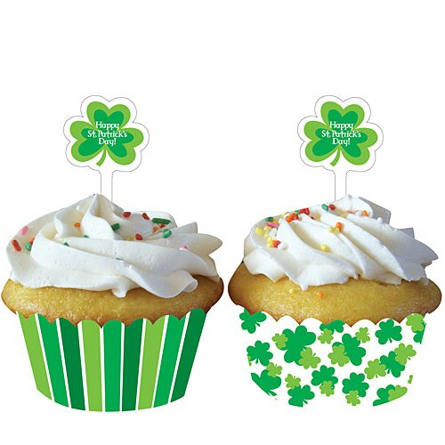 Shamrocks Cupcake Wrappers with Picks