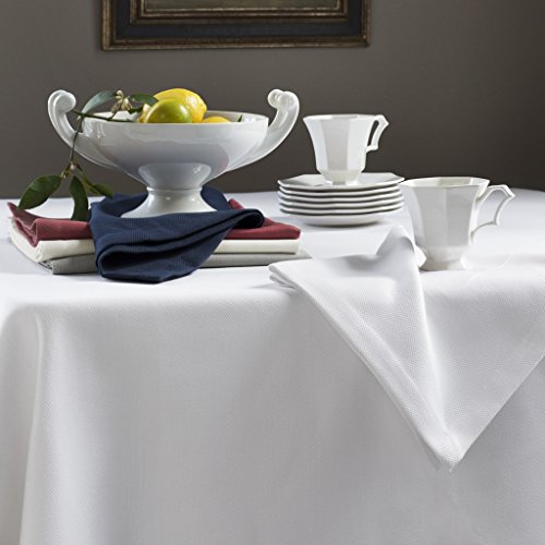 Squire by Sferra - Oblong Tablecloth 70x126 (Oyster)