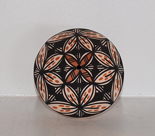 (Acoma Pueblo Seed Pot with Display Stand)