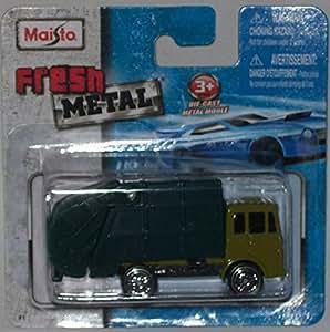 Amazon.com: Maisto Fresh Metal Die-Cast Vehicles ~ Garbage Disposal Truck: Toys & Games