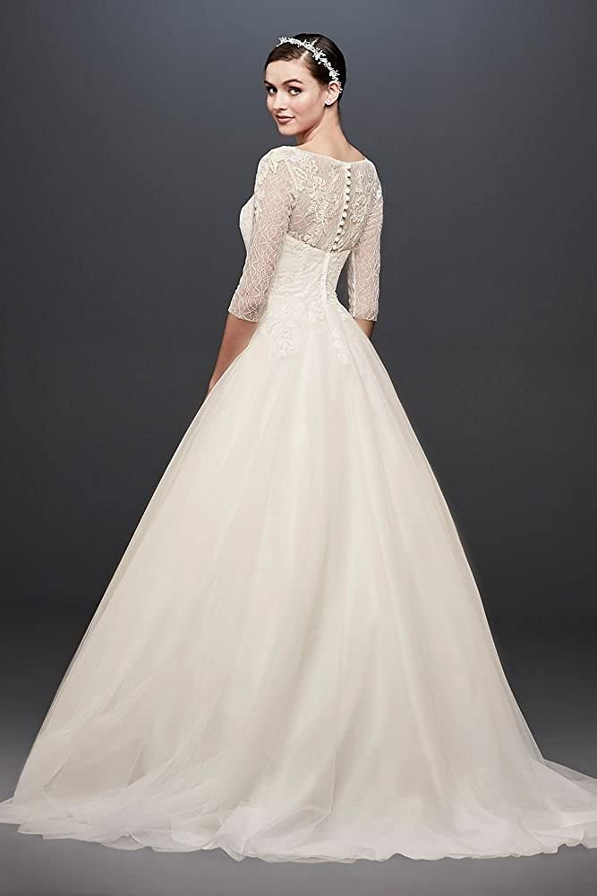 12f5bb52965 David s Bridal 3 4 Sleeve Wedding Dress with Lace and Tulle Skirt Style  WG3742 at Amazon Women s Clothing store