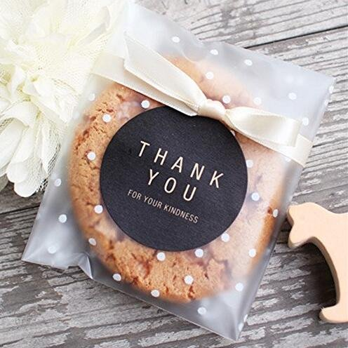 YunKo White Dots Self Adhesive Plastic Cookie Bags for Gift Giving 200 Bags+100 Thank You Labels (3.94x3.94+1.18 Inch)