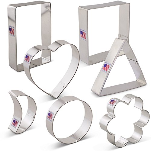Geometric Classic Shape Cookie Cutter Set - 7 piece - Heart, Circle, Square, Rectangle, Triangle, Crescent Moon, Flower - Ann Clark - US Tin Plated (Classic Scalloped Heart)
