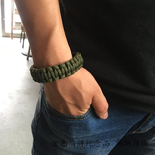 Soldiers Walker lifesaving bracelet green bracelet with whistle umbrella rope rope can withstand 100 kg weight