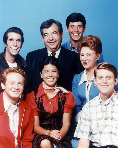 Happy Days 24x30 Poster Tom Bosley Henry Winkler and full cast