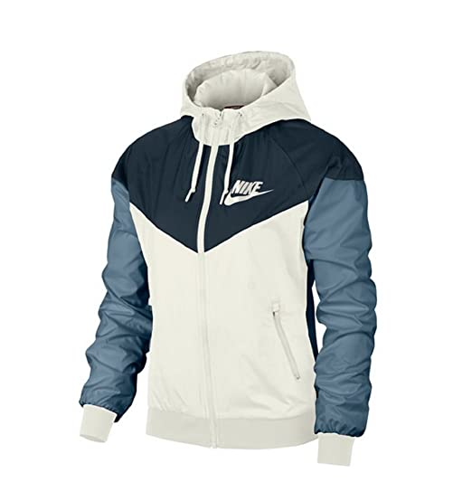 5b54f9c7a8562 Nike Women's Jacket: Amazon.co.uk: Clothing