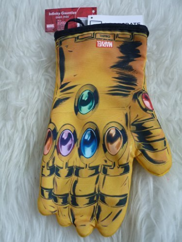 Marvel Infinity Gauntlet Oven Mitt by Spider-Man
