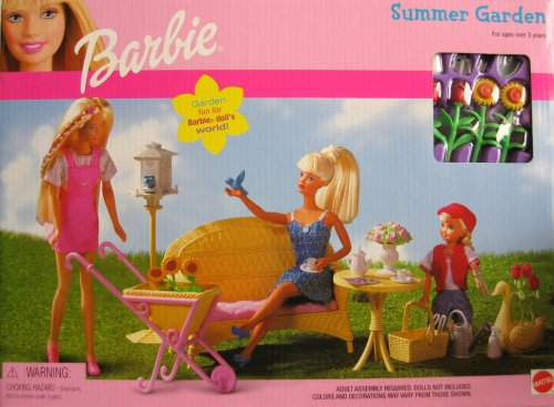 Playset w Wicker Table, Chairs & MORE! (2000) ()