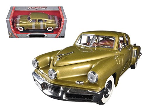 1948 Tucker Torpedo, Gold - Road Signature 92268 -  1/18 Scale Diecast Model Toy Car