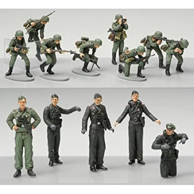 Tamiya 300032512 – 1: 48 WWII German Infantry Figures Set (15): Toys & Games