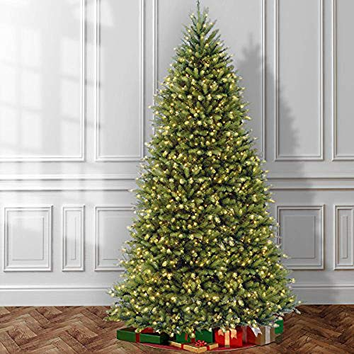 Save $780 on a pre-lit artificial Christmas tree