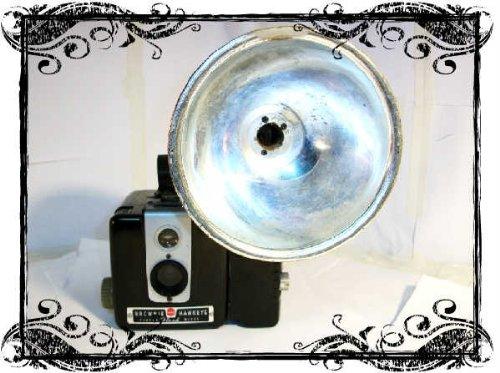 Kodak Brownie Hawkeye Flash Box Camera (Hawkeye Flash)
