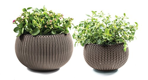 Keter Cozies Plastic Planters Set of 2, Knit Texture, Small & Medium Pots with Removable Liners, Harvest Brown