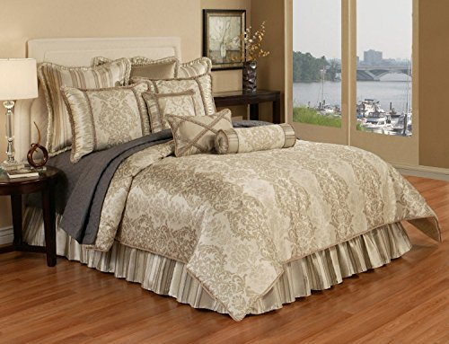 - Austin Horn Classics 4 piece Hampshire Bedding Collection, Queen, Light Gold/Brown