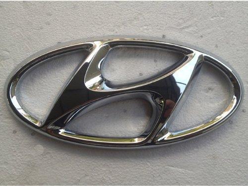 Logo Santa - Hyundai Motors Genuine Front Hood Grill Chrome H Logo Emblem 1-pc Set For 2013 2014 Hyundai Santa Fe