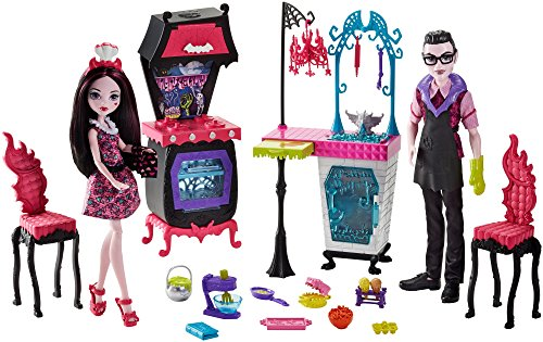 Monster High Monster Family Vampire Kitchen Playset & 2-Pack Dolls -