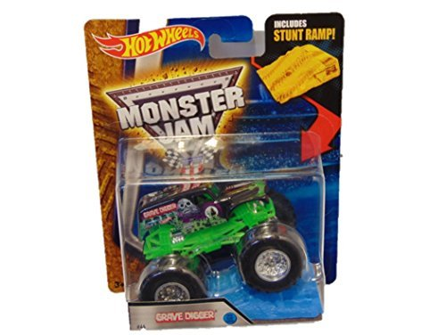Hot Wheels Monster Jam 2017 Grave Digger #44 (with Stunt Ramp) 1:64 Scale, Black and Green (Hot Wheels Monster Jam Grave Digger 30th Anniversary)