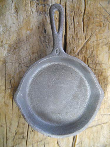 HomeOrnamentss Style Frying Pan Western Cast Iron Griswold No.0 Toy Skillet Antigue Vintage