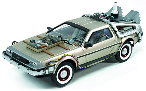 Round 2 Back to The Future 3: Time Machine Model Kit (1:25 Scale) ()