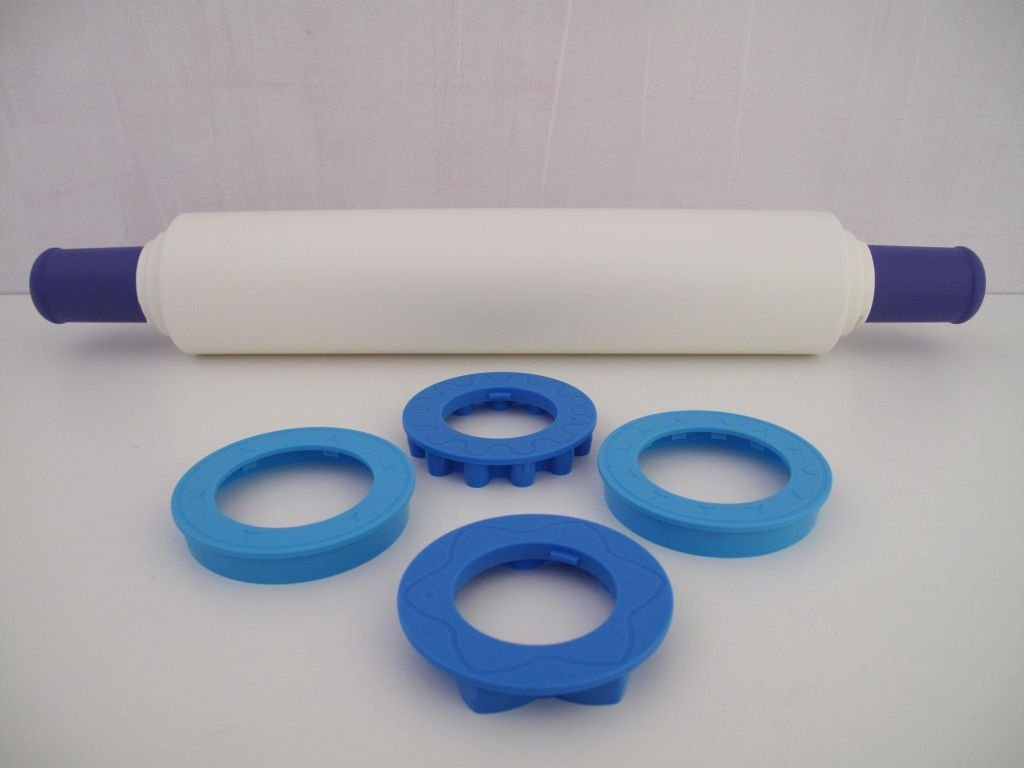 TUPPERWARE Adjustable /& Cookie Cutters blue white
