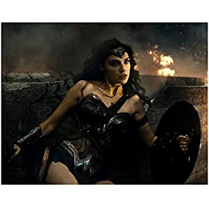 Batman v Superman Dawn of Justice Gal Gadot as Wonder Woman Holding Weapons 8 x 10 Inch Photo
