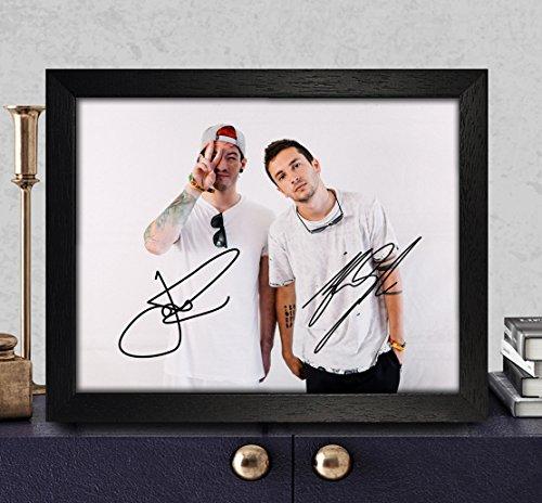 Tyler Joseph & Josh Dun Signed Autographed Photo 8X10 Reprint Rp Pp - Twenty One Pilots (Pilot Autograph Signed)