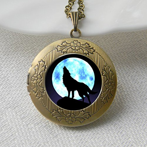 Wolf Howling Necklace Locket , Moon Jewelry, Wolf Pendant Locket , Wolf Necklace Locket