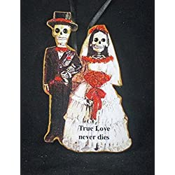 Bride and Groom Skeleton Ornament Handcrafted Wood Valentine Gift, Boyfriend Husband Wife Romantic Card, Goth Wedding, Day of the Dead