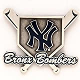 MLB New York Yankees 56075061 Collector Pin Jewelry Card